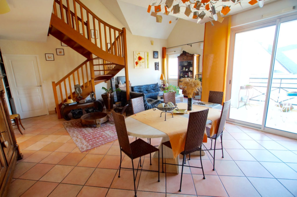 APPARTEMENT T6 DE STANDING CHATEAU/VISITATION,